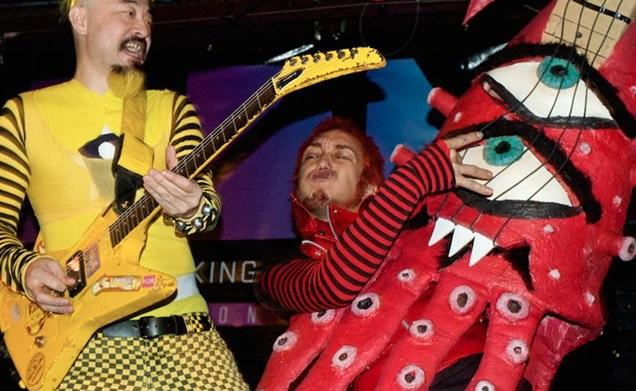 Peelander Yellow (aka Kengo Hioki) and Peelander Red (aka Kotaro Tsukada) in Mad Tiger